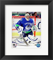Framed Roberto Luongo 2009-10 Action
