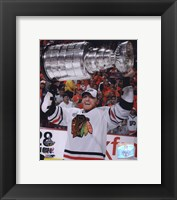 Framed Marian Hossa with the 2009-10 Stanley Cup (#30)