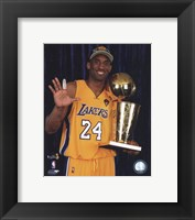 Framed Kobe Bryant - 2010 NBA Finals Game 7 - Championship Trophy/5 Fingers in Studio(#27)