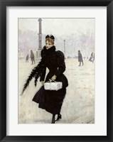 Framed Parisian woman in the Place de la Concorde