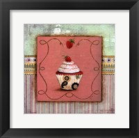 CUPCAKE DELIGHT I Framed Print