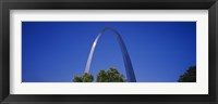 Framed Gateway Arch against a blue sky, St. Louis, Missouri