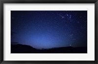 Framed bright sporadic meteor in the patagonic skies of Somuncura, Argentina