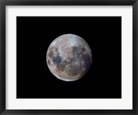 Framed true colors of the moon during the 2010 perigee