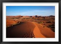 Framed Sand dune, near Sossusvlei, Namib-Naukluft NP, Namibia, Africa.