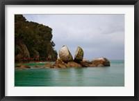 Framed Split Rock, Kaiteriteri Coast, Abel Tasman National Park, South Island, New Zealand
