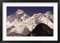 Framed Mt. Everest seen from Gokyo Valley, Sagarnatha National Park, Nepal.