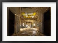 Framed Labyrinth-School