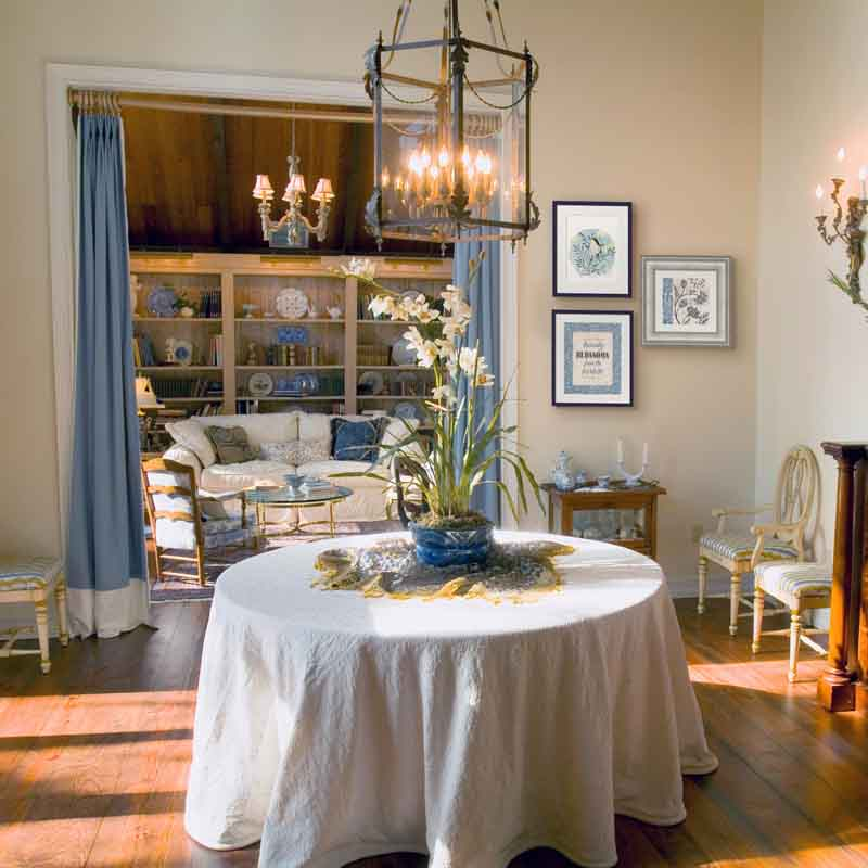 Fixer Upper Farmhouse art in a dining room