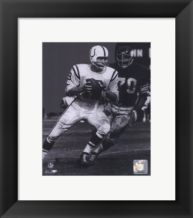 Framed Johnny Unitas - Passing Action (B&W) Print