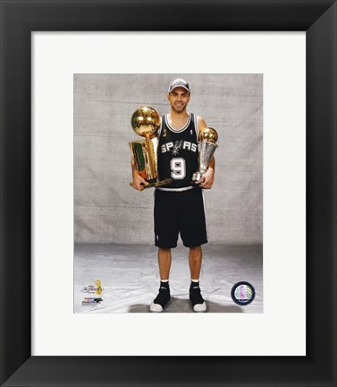 Framed Tony Parker - 2007 Finals With / 2 Trophies (#16) Print