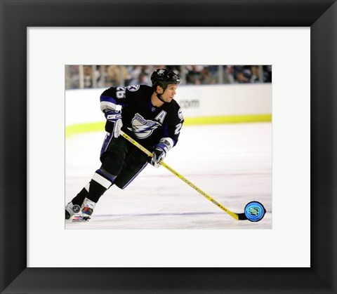 Framed Martin St. Louis - 2007 Home Action Print