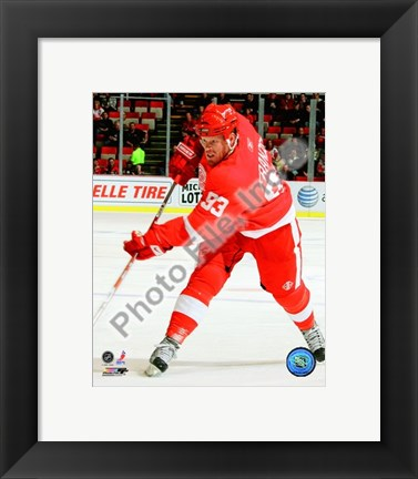 Framed Johan Franzen 2008-09 Home Action Print