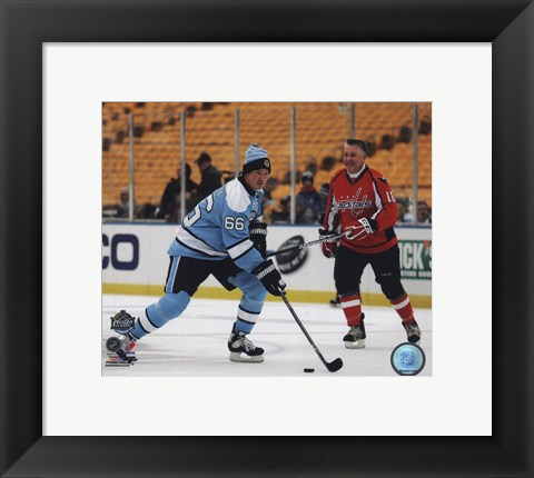 Framed Mario Lemieux 2011 NHL Winter Classic Alumni Game Action Print