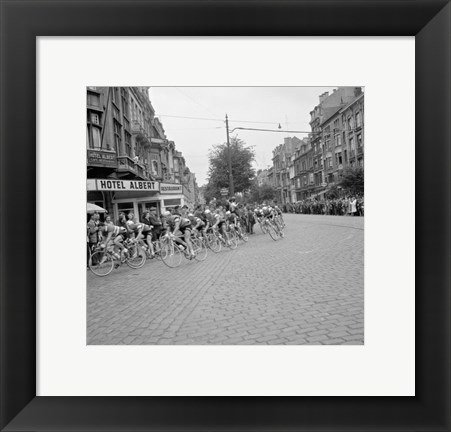Framed Cyclists in action tour de france 1960 Print