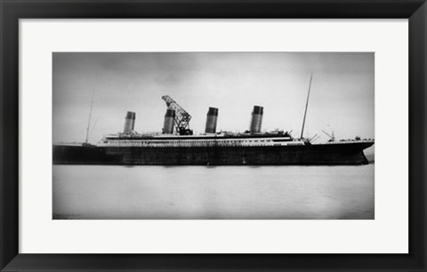 Framed Titanic - In action Print