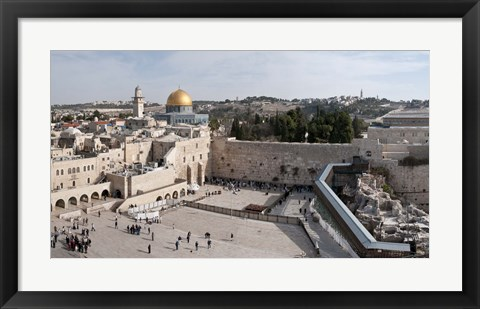 Framed Tourists praying at the Wailing Wall in Jerusalem, Israel Print