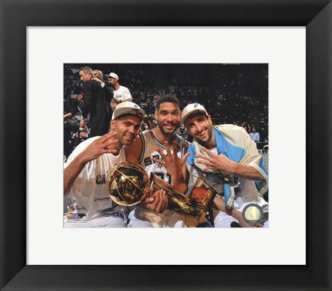 Framed Tony Parker, Tim Duncan, Manu & Ginobili with the NBA Championship Trophy Game 5 of the 2014 NBA Finals Print