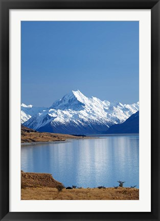 Framed Aoraki Mount Cook and Lake Pukaki, Mackenzie Country, South Canterbury, South Island, New Zealand Print