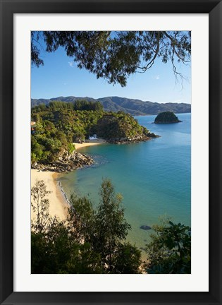 Framed Breaker Bay, Honeymoon Bay, South Island, New Zealand Print