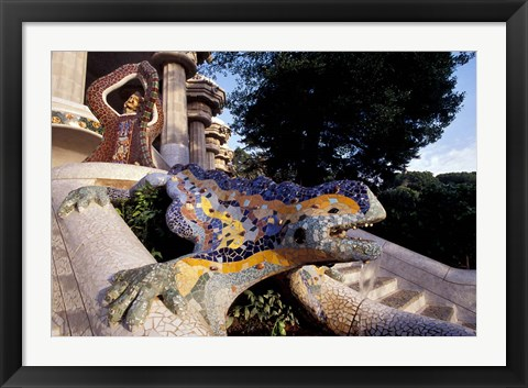 Framed Lizard Mosaic in Parc Guell, Barcelona, Spain Print