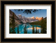 Alberta, Banff National Park, Moraine Lake At Sunrise