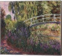 Framed Le pont japonais - bassin aux nympheas