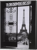 Framed Eiffel Tower from the Trocadero
