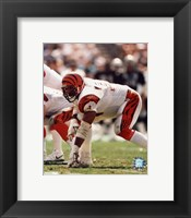 Framed Anthony Munoz - In three point stance
