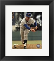 Framed Tom Seaver - Close up pitch