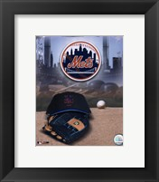 Framed New York Mets - '05 Logo / Cap and Glove