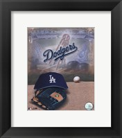 Framed Los Angeles Dodgers - '05 Logo / Cap and Glove