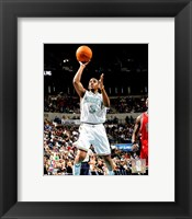 Framed Chris Paul - '06 / '07 Action