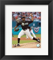Framed Dontrelle Willis - 2007 Pitching Action