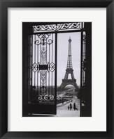 Framed Eiffel Tower from the Trocadero