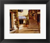 Framed Au coeur du village