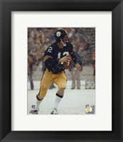 Framed Terry Bradshaw Action / In snow