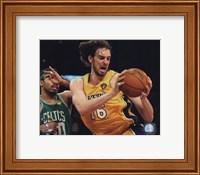 Framed Pau Gasol - 2010 NBA Finals Action Game 6 (#17)