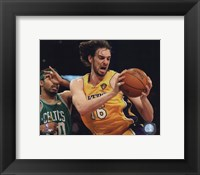 Framed Pau Gasol - 2010 NBA Finals Action Game 6 (#17)