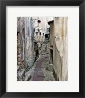 Framed Cobbled Walkway II