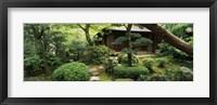 Framed Temple in a garden, Yuzen-En Garden, Chion-In, Higashiyama Ward, Kyoto, Kyoto Prefecture, Kinki Region, Honshu, Japan