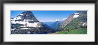 Framed Bearhat Mountain and Hidden Lake, US Glacier National Park, Montana, USA