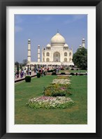 Framed Taj Mahal in Agra, India