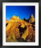 Framed Badlands formations at Dinosaur Provincial Park in Alberta, Canada