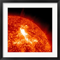 Framed M87 Class Flare Erupts on the Sun's surface