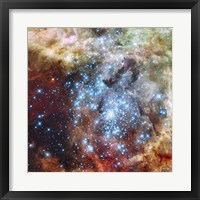 Framed Merging Clusters in 30 Doradus (Non-annotated)