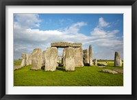 Framed Stonehenge (circa 2500 BC), UNESCO World Heritage Site, Wiltshire, England