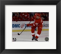 Framed Niklas Kronwall 2015-16 Action
