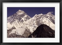 Framed Mt. Everest seen from Gokyo Valley, Sagarnatha National Park, Nepal.