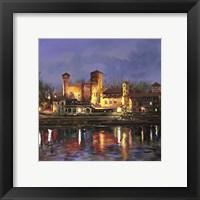 Framed Il Castello Medioevale di Notte